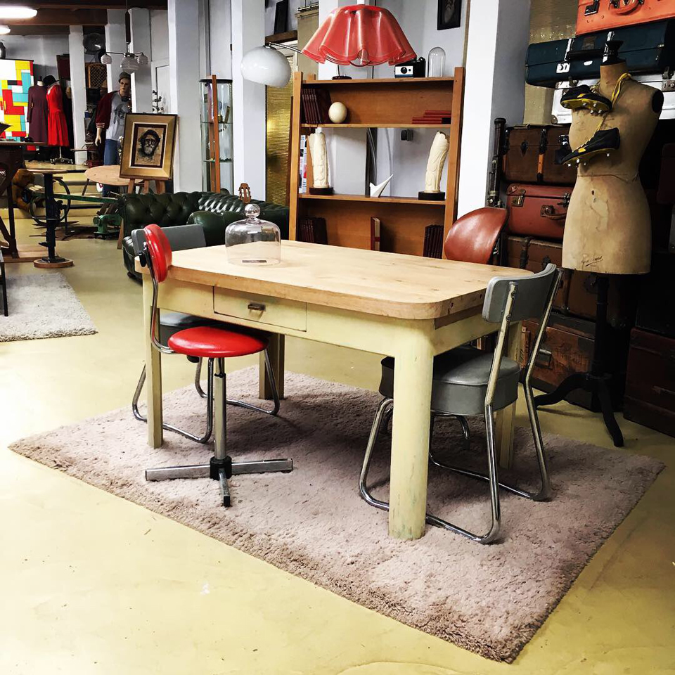 Emmaus Var - La Fabrique - table de cuisine plateau massif