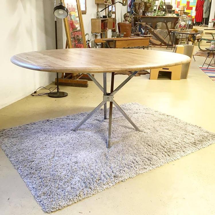 Emmaus Var - La Fabrique - création d'une table ovale